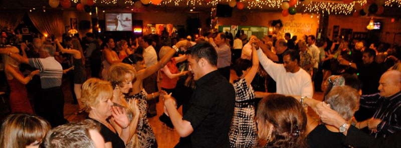 social-dance-party-at-goldcoast-latin-night