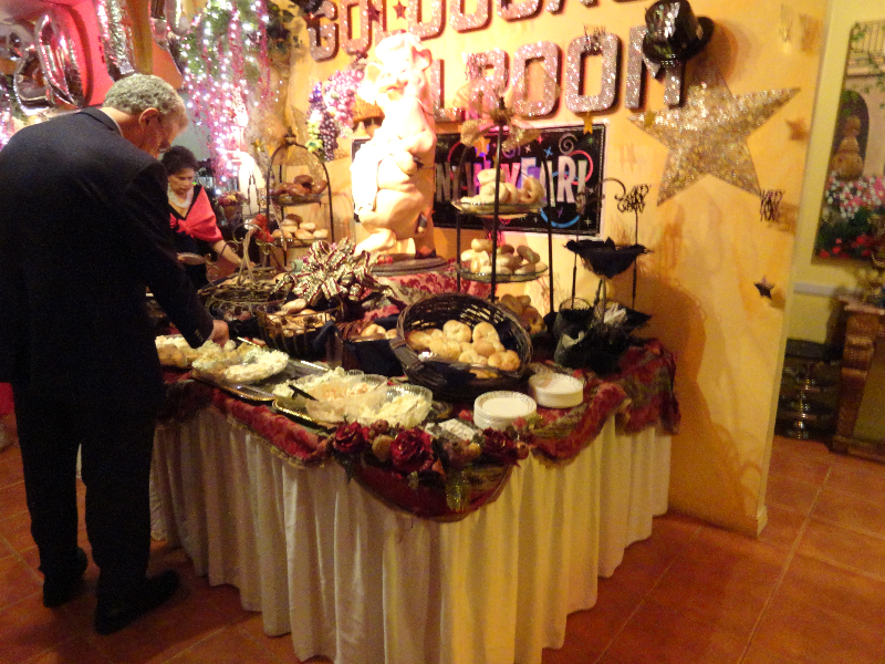 Early Guests Sample Our Famous Spreads & Bagels!