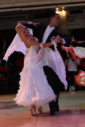 Learn International Style Slow Waltz with Paolo & Liene Di Lorenzo - 8:00 PM - 9:00 PM Thursdays, April 3, 10, 17, 24!