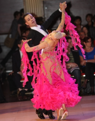 International Quickstep with Paolo and Liene Di Lorenzo – Intermediate/ Advanced – Thursdays, March 5, 12 and 26 – Class 8:00 PM – 9:00 PM; Practice Session 9:00 PM – 10:00 PM Included