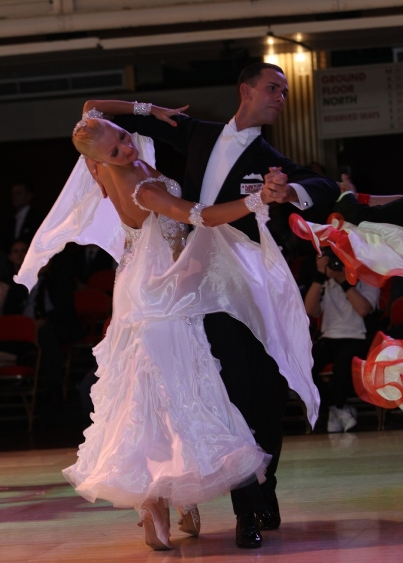NEW!!  Beginner Waltz with Paolo and Liene Di Lorenzo – Every Thursday Night in July – 7:00 PM – 8:00 PM + Practice Session 9:00 PM – 10:00 PM (included) – $15.00 per person (or $25.00 for two classes taught by Paolo & Liene on the same night + Practice Session)
