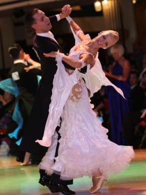 Competition Class (Ballroom & Latin Rounds) with Paolo & Liene Di Lorenzo!! – Every Thursday in February (7:00 PM – 8:00 PM)